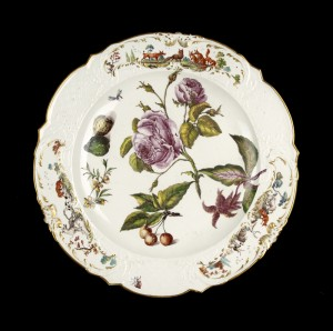WA2015.8 Jefferyes Hamett O'Neale, Chelsea Porcelain Factory, Round serving dish, c. 1755 © Ashmolean Museum, University of Oxford